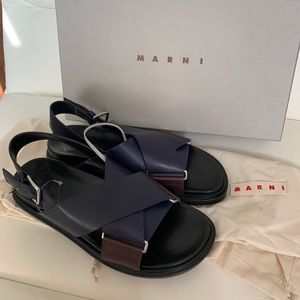 💙🖤NEW Marbi Sandals Blue Black